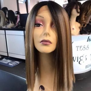 Accessories - Wig Blonde Mix Angle cut Lacefront hair Blende New